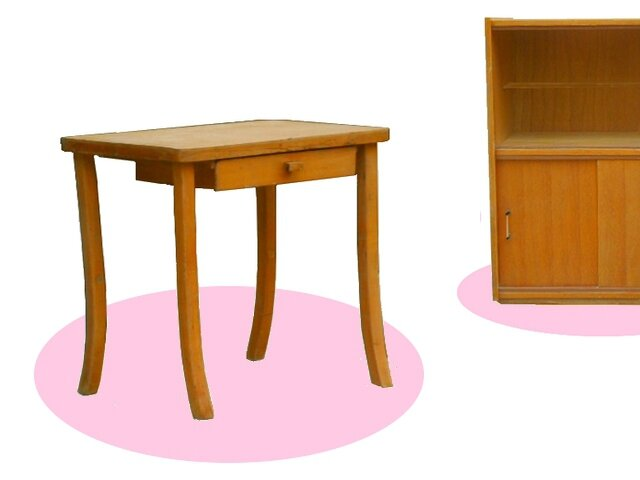petite table bureau vintage pour enfant meubles d co vintage design scandinave. Black Bedroom Furniture Sets. Home Design Ideas