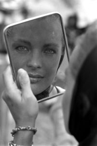 romy_schneider_on_set_of_la_piscine_directed_by_jacques_deray