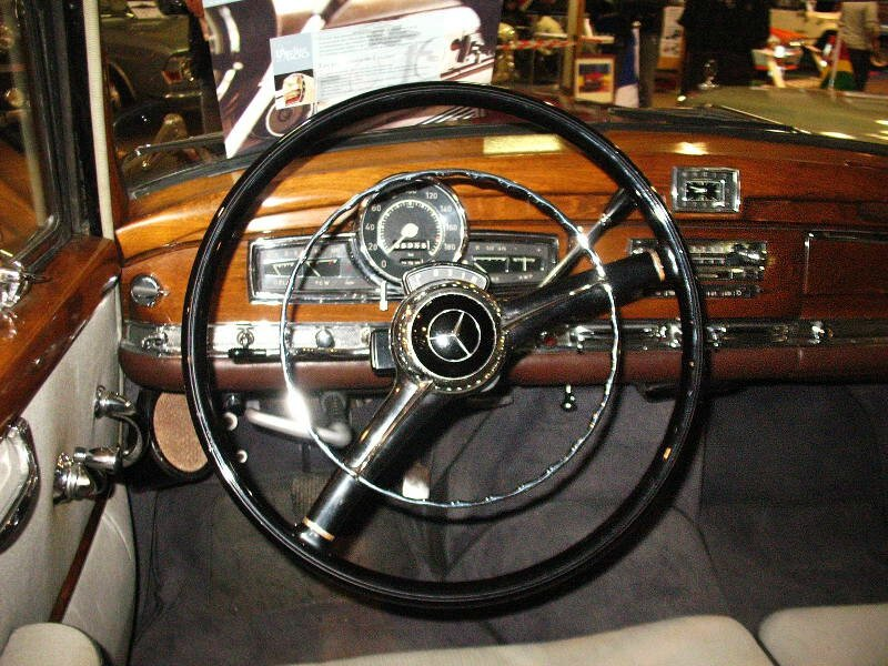 Mercedes300dW189int