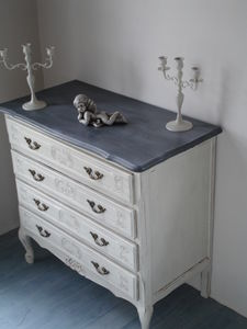 excellent juinchambre juinchambre une commode ancienne with relooker une commode ancienne. Black Bedroom Furniture Sets. Home Design Ideas
