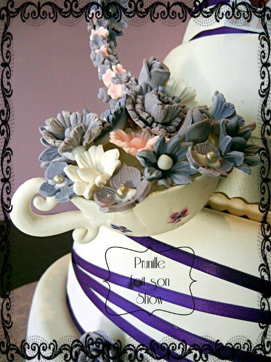 gateau de mariage theiere et fleurs prunille fait son show 2