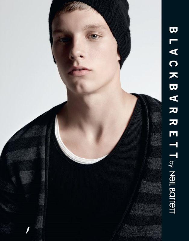 Portfolio : <b>Alan Carey</b> shootée par Milan VUKMIROVIC for Neil Barrett Black - 30534490