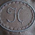 mini monogramme H