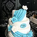 Wedding cake - drapés bleu
