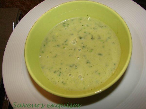 Soupe à la courgette et coriandre