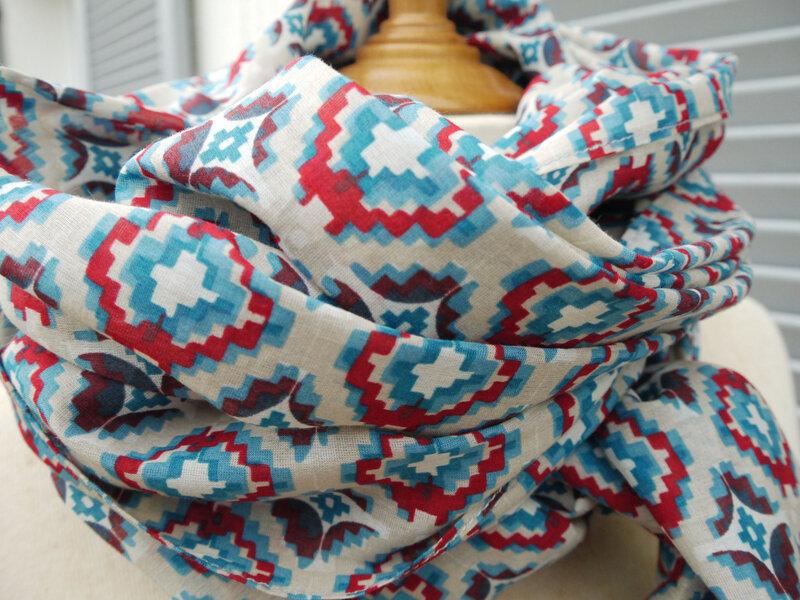 Josette- Très long foulard en voile de coton - 27 euros