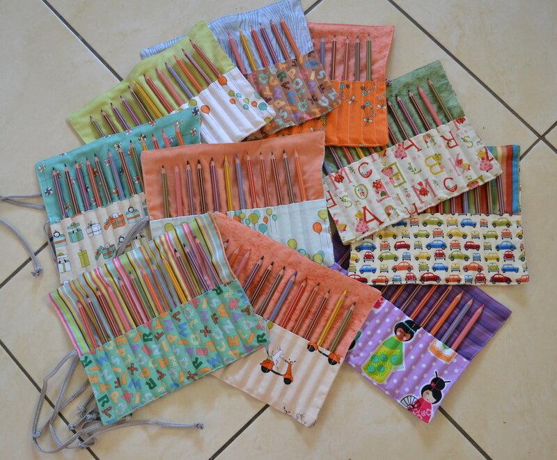 Trousses crayons pour tous micky des tissus de la - Tuto trousse crayons de couleur ...