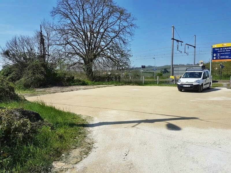 Parking SNCF Caudrot 6 avril 2017 - R (2)