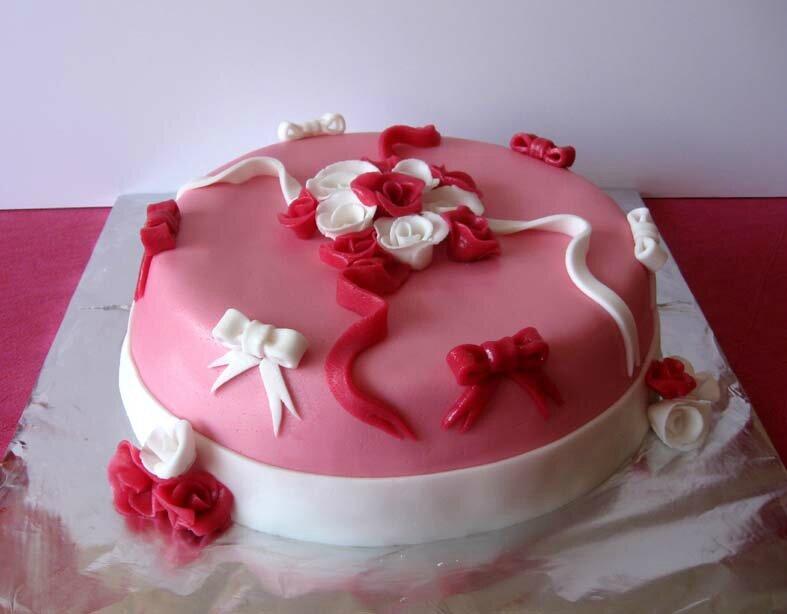 gâteau rose chocolat framboises