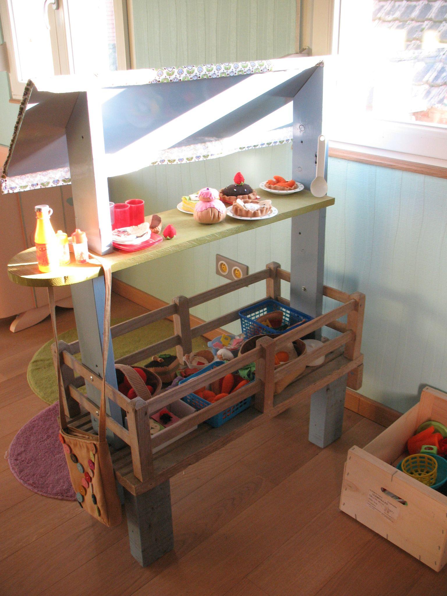 marchande en bois brin et brindille atelier saisonnier. Black Bedroom Furniture Sets. Home Design Ideas