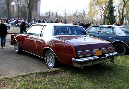 Buick_regal_coupe_de_1978__Retrorencard_mars_2011__02