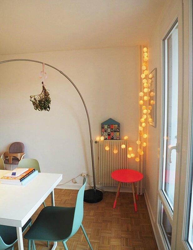new-home-livres-guirlande-enfants-salon-biblio-livres-tv-decoration-architecture-interieur-ma-rue-bric-a-brac