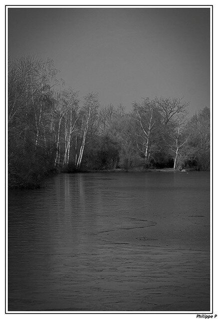 Lac en noir et blanc (1)