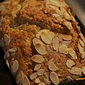 Cake aux pommes et pure d'amandes