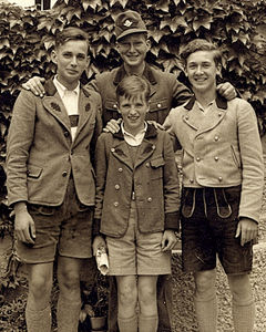 Four_brothers___Germany__late_1930s_a