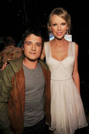 josh_backstage_tca_1