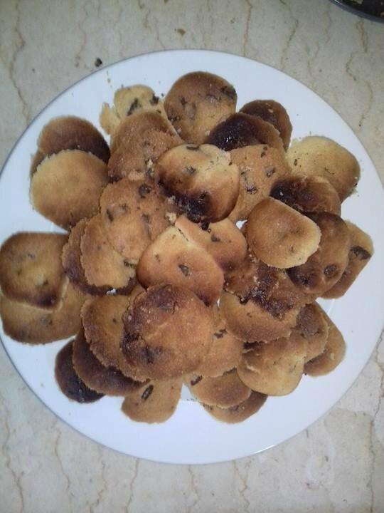 l'assiette des cookies prêts pour leur dégustation