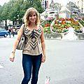 Look casual pour shopping dans les rues de reims .