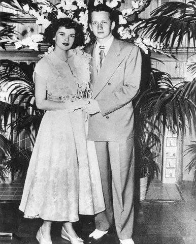 jayne-1950-05-10-wedding_paul_mansfield-1
