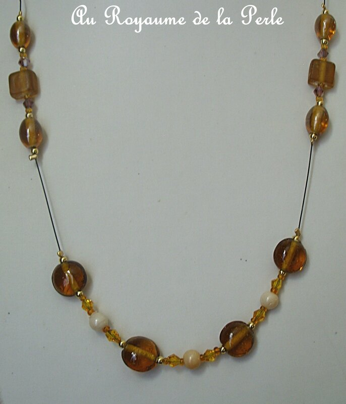Collier marron détail 3