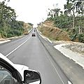 Transfrontalière bamenda-enugu. la route mamfé-ekok en cours d'achèvement.