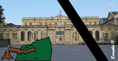 Jour de deuil à la mairie de Bordeaux.