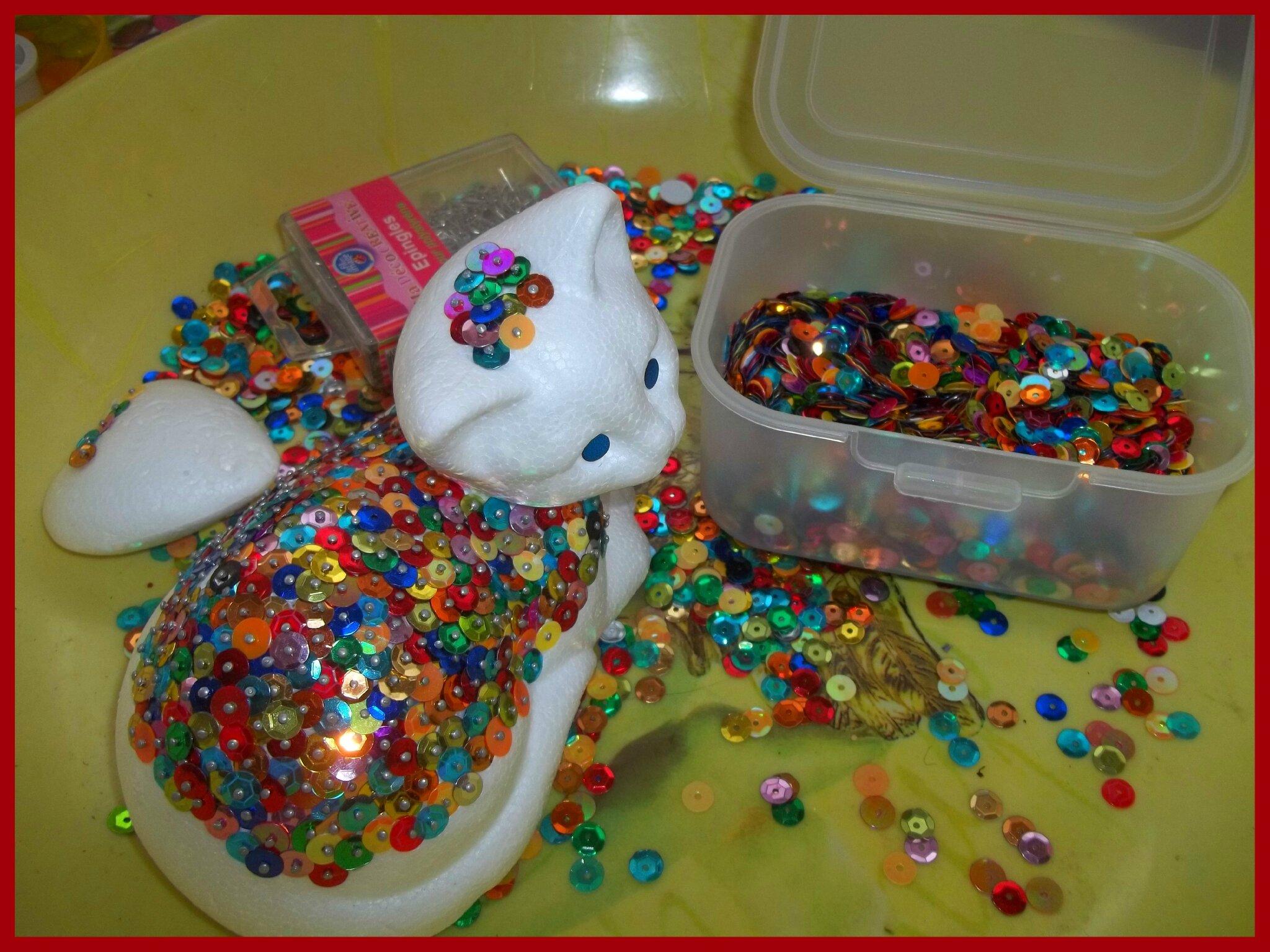 Activit s manuelles un chat en sequins cidi et le monde des loisirs cr atifs r cup - Activites manuelles petit ...