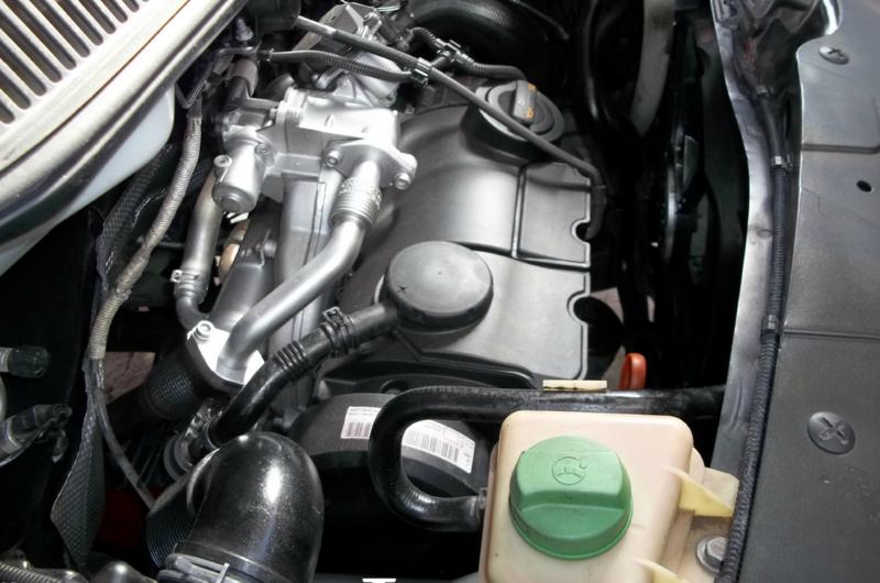 moteur du véhicule simple et sans ennui