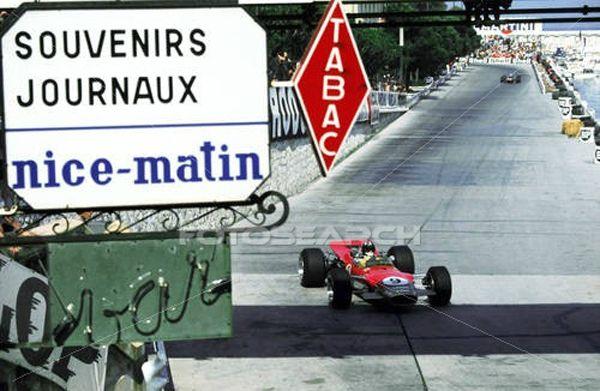 1968-Monaco-32-Hill-Bureau tabac