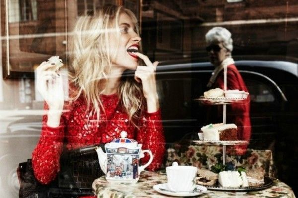 Poppy-Delevingne-Talks-Modeling-and-Shopping-with-Lifestyle-Mirror--600x399