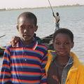 Portait d'enfants au bord du fleuve