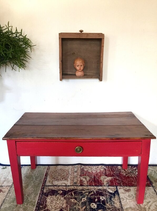 table basse rouge Le Meuble du Photographe