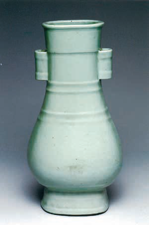 A fine and very rare ru-type glazed vase, fanghu, Qianlong six-character seal mark in underglaze blue and of the period