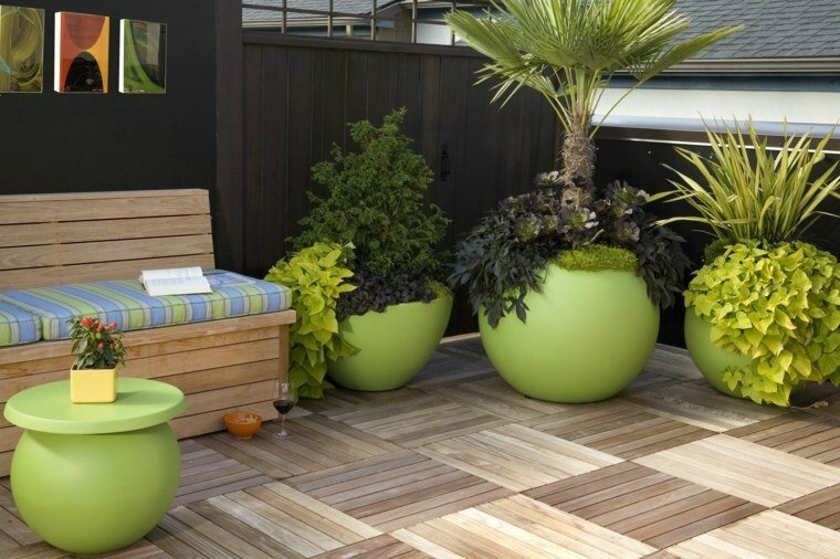 amenagement-terrasse-plante-exterieur-pot