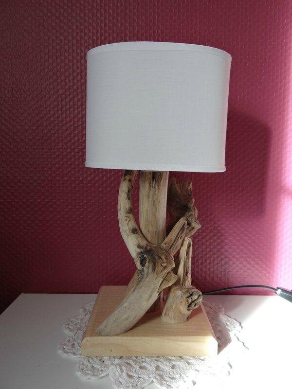 lampes en bois flott cr ations bois et chiffons. Black Bedroom Furniture Sets. Home Design Ideas