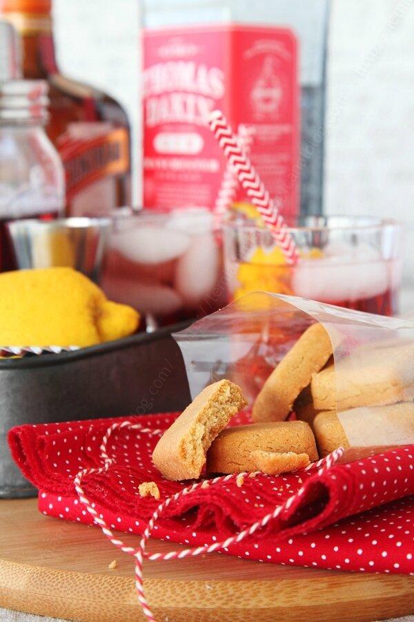 Biscuits sablés apéritifs aux épices douces pour un apéro de Saint Valentin croustillant