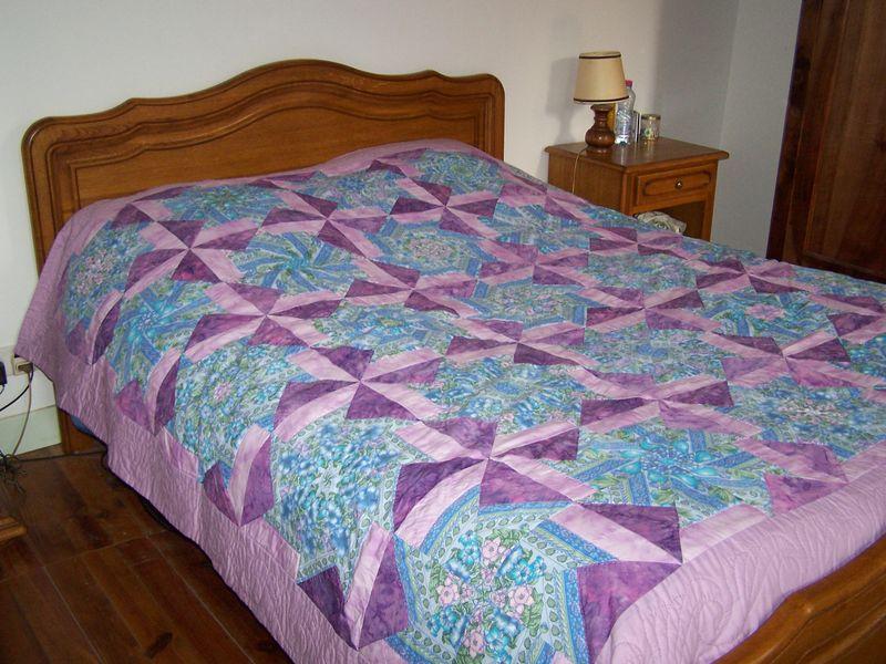 un dessus de lit en patchwok les cr as de marie ange. Black Bedroom Furniture Sets. Home Design Ideas