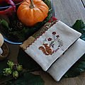 Squirrel pinkeep & flower basket de stacy nash