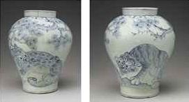a_blue_and_white_jar_with_tigers_joseon_dynasty_d5715504h