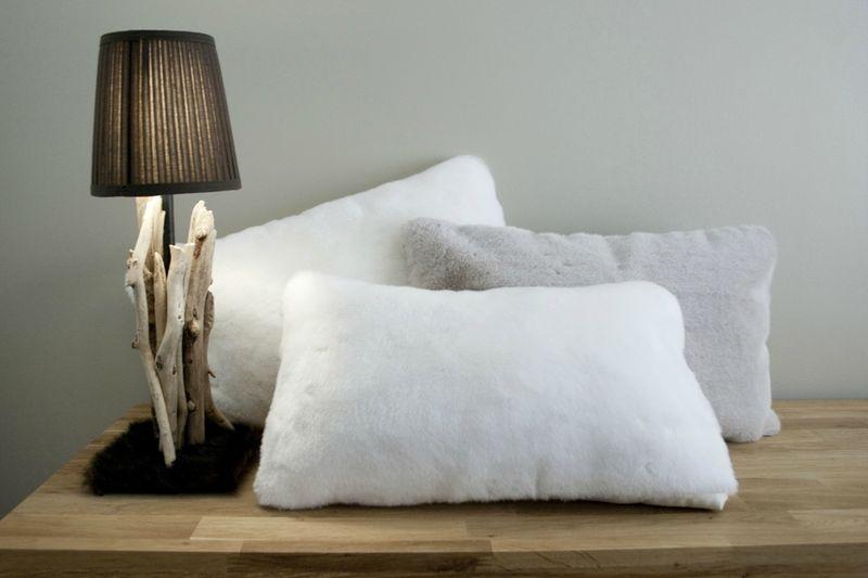 coussin tout doux dr le d 39 oiseau. Black Bedroom Furniture Sets. Home Design Ideas