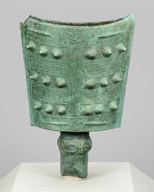 'Mirroring China's Past: Emperors and Their Bronzes' at Art Institute of Chicago