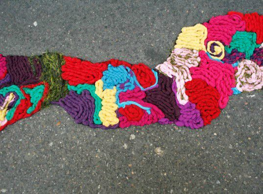 Juliana-Santacruz-Herrera-pothole-knitting-537x396