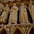 Statuaire du portail de Notre-Dame.