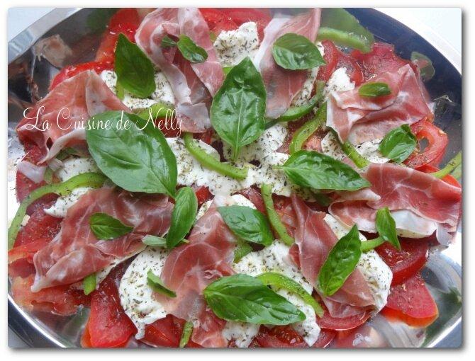 SaladeTomatesMozzaPoivronJambonsec1