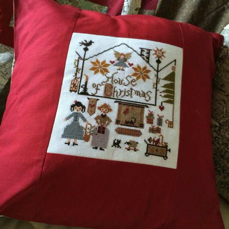 house of Xmas coussin