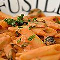 Pâtes au mascarpone, tomate, courgette et jambon de parme
