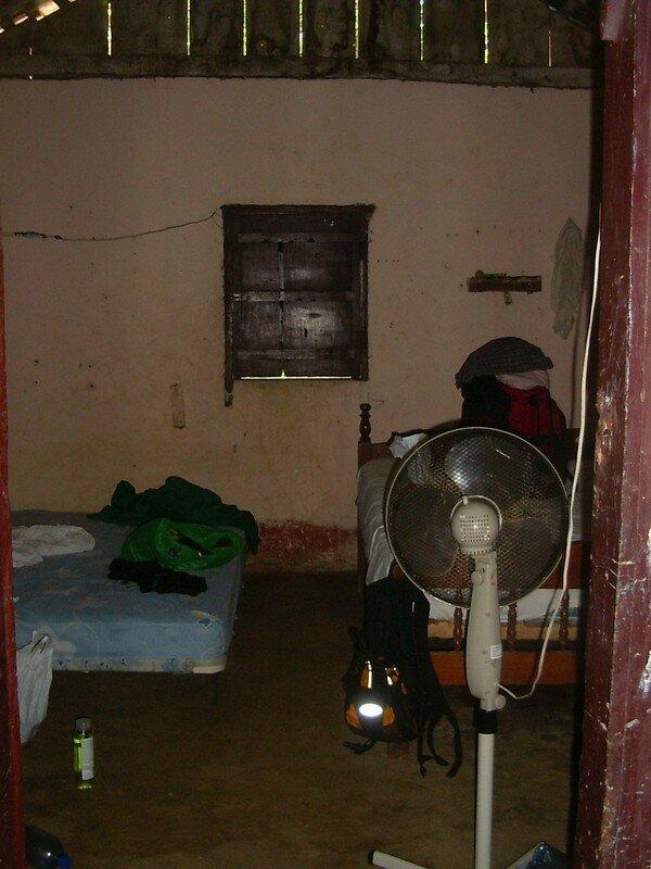 028 Notre chambre