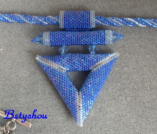 TRIANGLE 3D