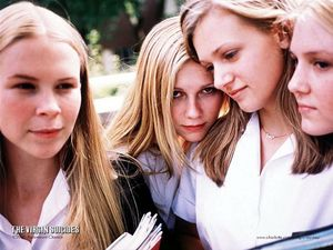 5The_Virgin_Suicides_003_01