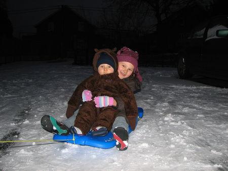 Lou_et_Leny_dans_la_neige_decembre_2009_002